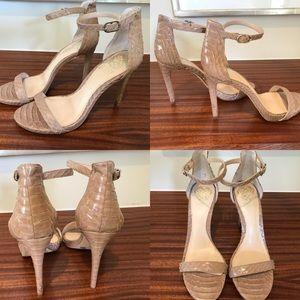 Vince💎 Camuto Nude Strappy Heels!